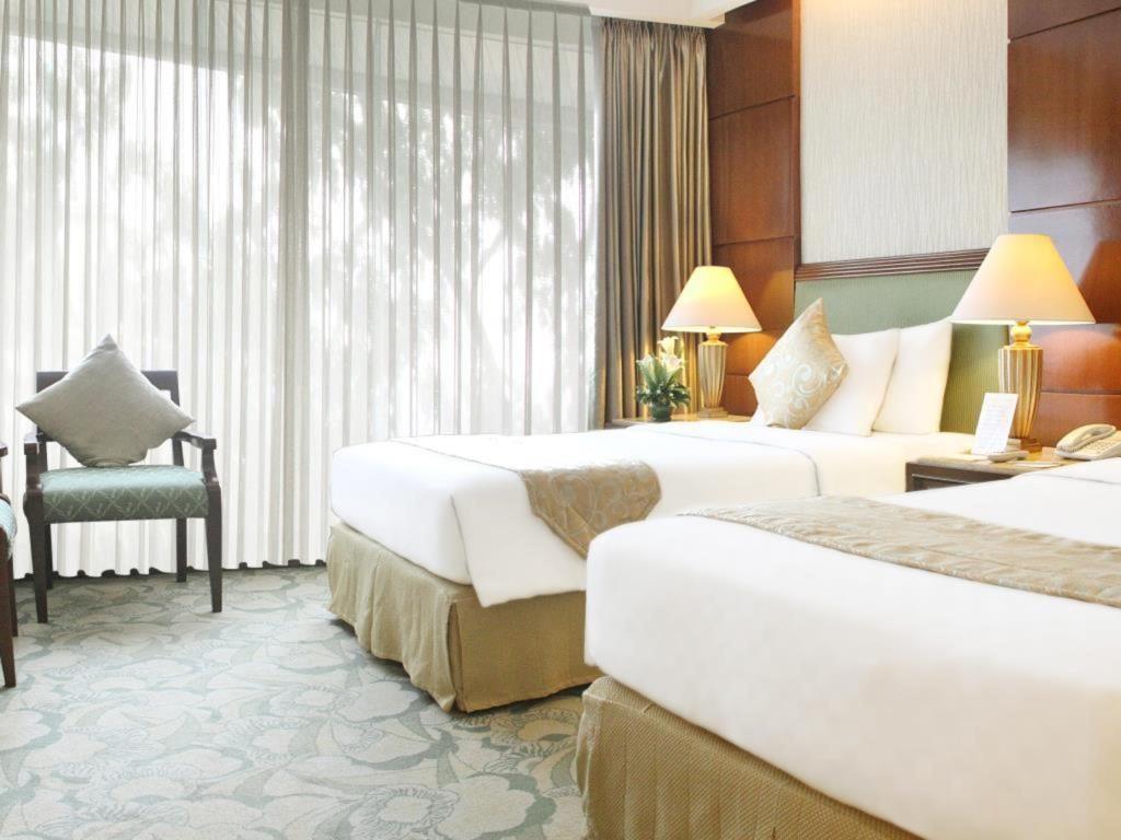 hotel murah di cihampelas - kamar Aston Tropicana Hotel Bandung