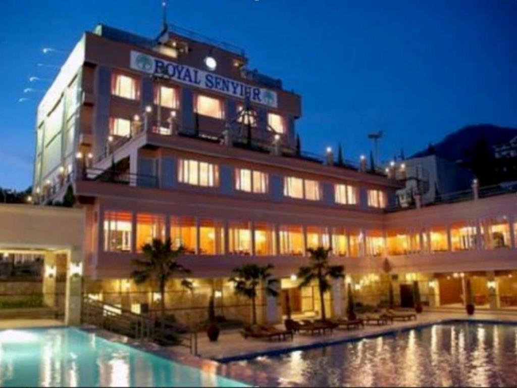 Grand Senyiur Hotel
