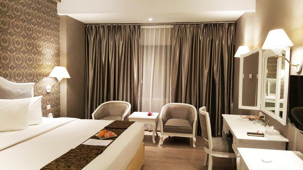 kamar Hotel Polonia Medan di manage oleh Topotels