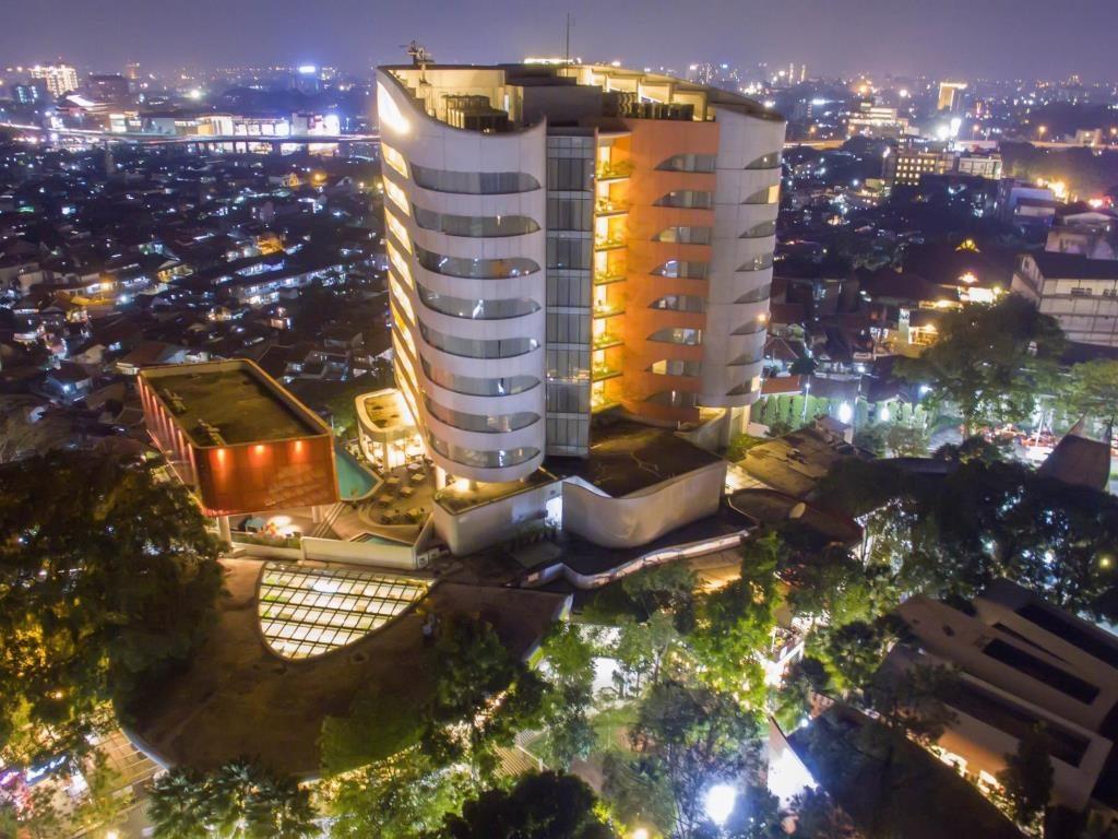hotel murah di cihampelas bandung - Sensa Hotel Bandung
